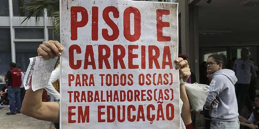 Com 12 dos 24 membros a menos, o colegiado, que é responsável por formular e avaliar a política nacional de educação, zelar pela qualidade do ensino, fica sem quórum para tomar decisões.  Foto: Valter Campanato/Agência Brasil